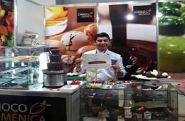 Peruano gana medalla de plata en festival de chocolate