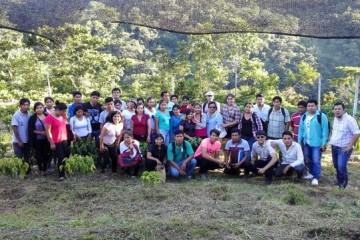Jóvenes líderes emprendedores comparten sus experiencias en la capital cafetalera del país
